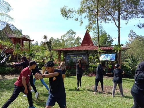 Outbound di Batu Dac Atore's Family 7